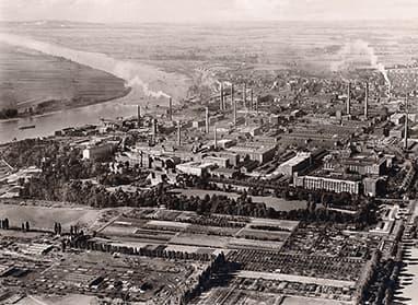 Geschiedenis 1956: Frank Steiner opent een gezamenlijke linnenverhuur met de Bayer Werke