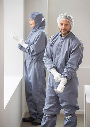 Reinraum-Bekleidung für ESD